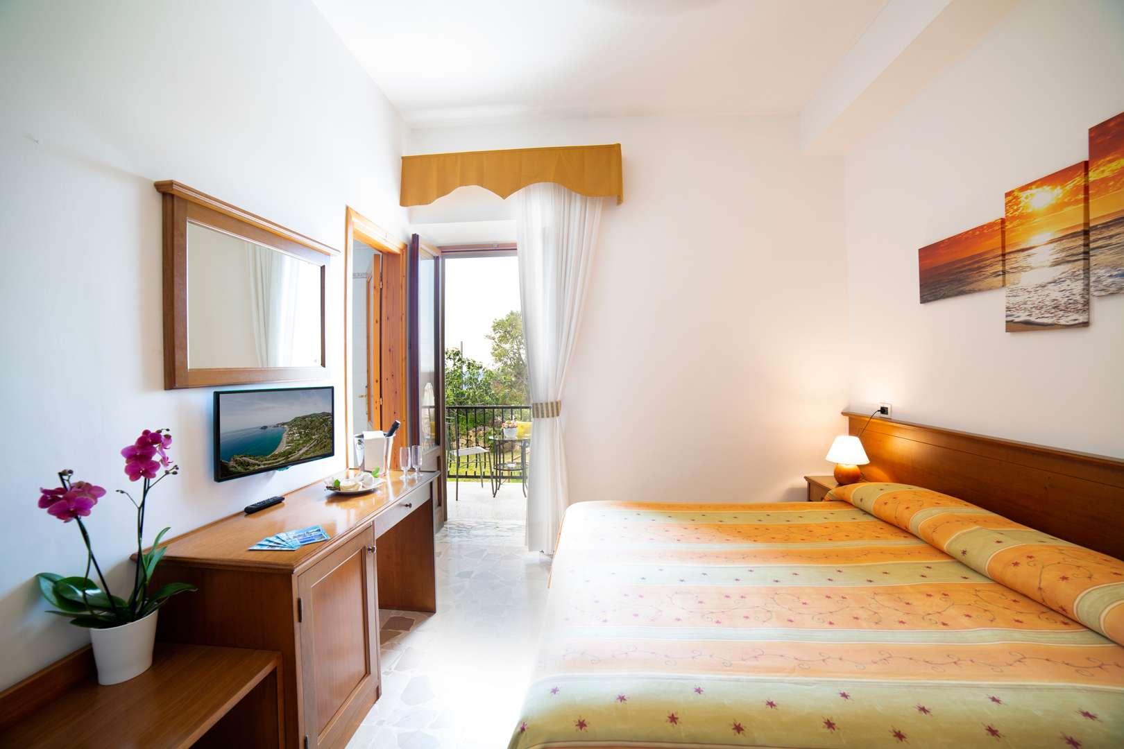 Camere - Hotel La Mandorla *** Spiaggia Dei Maronti ...